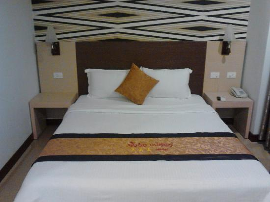 Quoc Cuong II Hotel Danang: 床很舒服。
