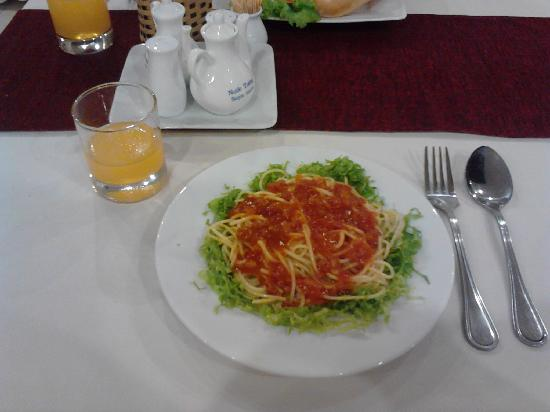 Quoc Cuong II Hotel Danang: 美味早餐,意大利面。
