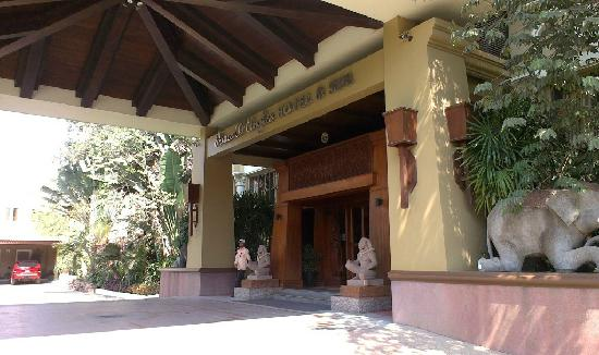 Prince D'Angkor Hotel & Spa: 酒店大门