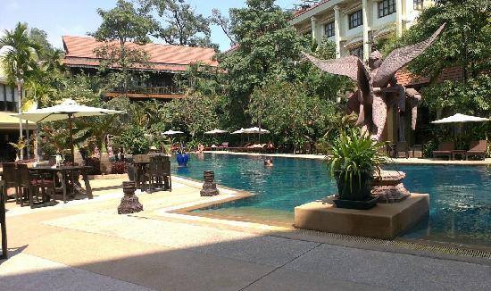 พรินซ์ดังกอร์โฮเต็ลแอนด์สปา: 酒店游泳池