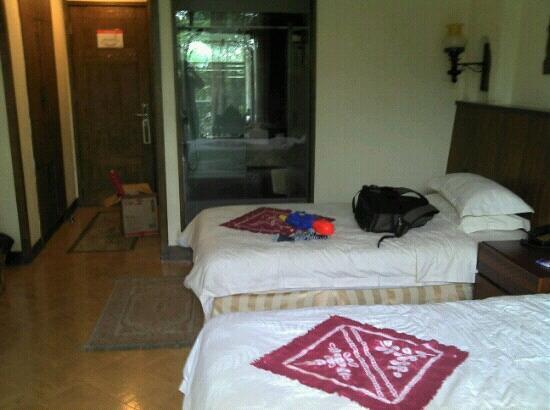 Shampoola Forest Hotel : 房间一角
