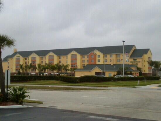 Homewood Suites by Hilton Orlando-Nearest to Univ Studios:                   ouside