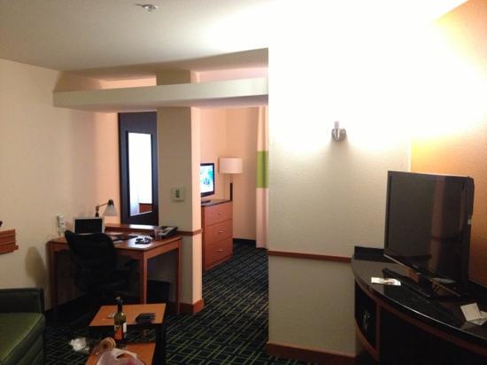 Fairfield Inn & Suites Santa Cruz - Capitola : 套房