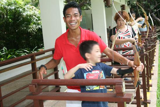 Club Med Bintan Island :                   jayrate(sport team),很热情的射箭教练