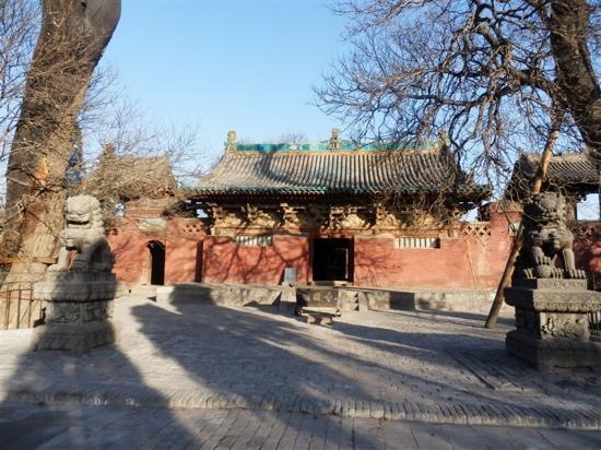 Zhenguo Temple: 寺内