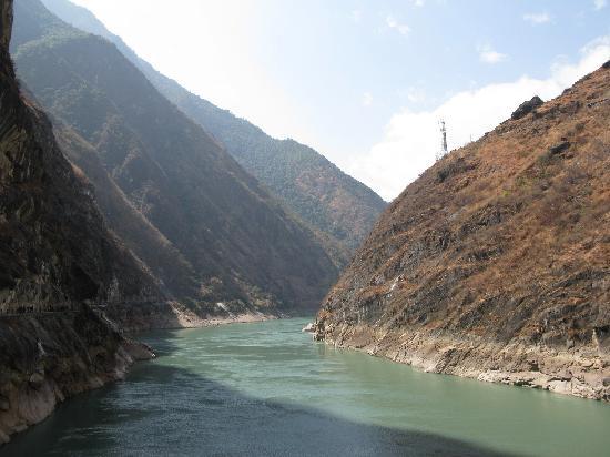Shanghutiao Canyon : 上虎跳