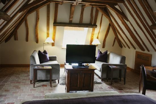 Relais & Chateaux - Hostellerie de Levernois: 客房内的布局很有意思