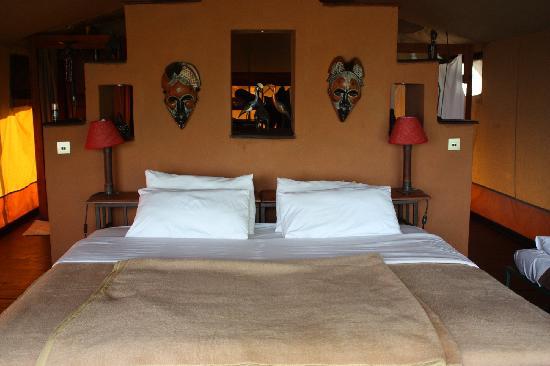Kilima Camp: bed