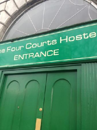 Four Courts Hostel:                   nice