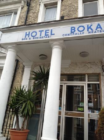 Boka Hotel:                   good