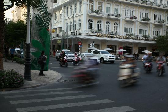 โรงแรมคอนติเนนตัลไซ่ง่อน: 西贡大陆酒店(Hotel Continental Saigon)