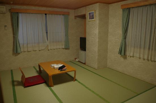 Hotel Station Kyoto Nishikan:                   房间很宽敞