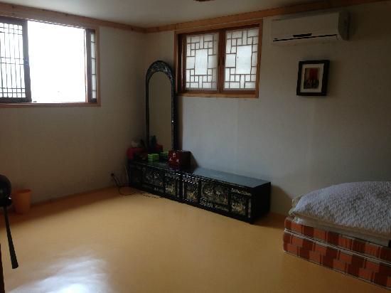 Bukchonmaru Hanok Guesthouse:                                     客房2