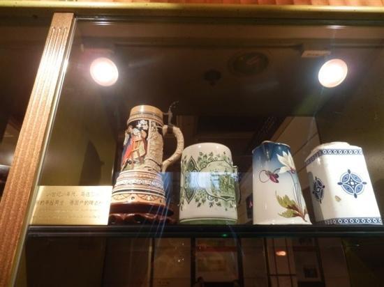 Modern Hotel:                   马迭尔宾馆展示的酒店最初使用的杯子