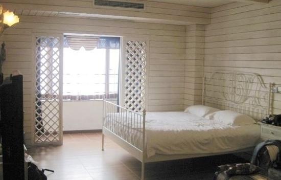 Minglu Hotel :                   卧室