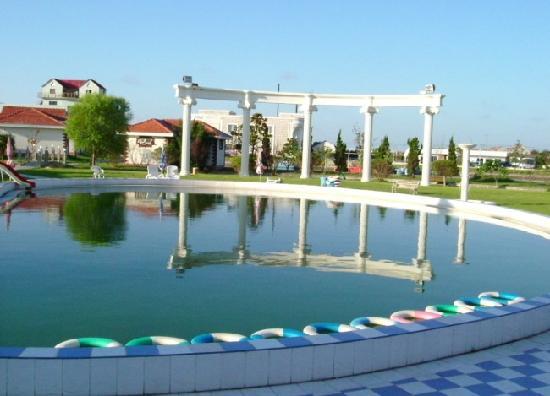 Shanghai Angle Bay Vacation Land: 游泳池