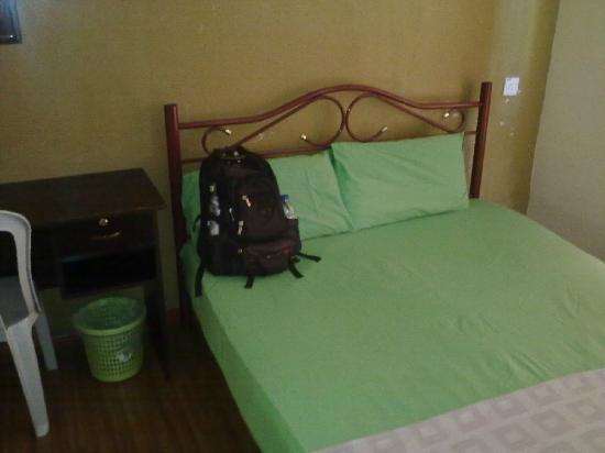 Travellers Planet Hostel : B
