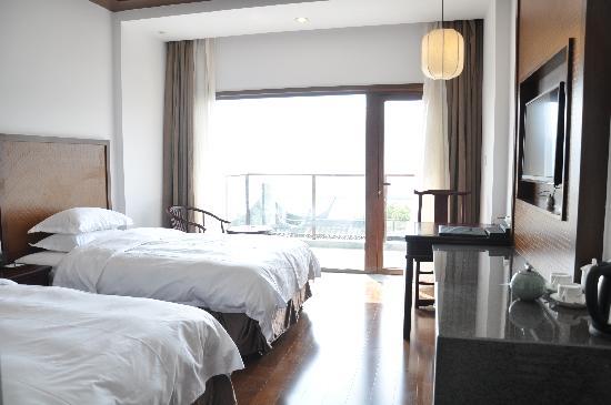 Nanbei Lake Huguang Shanju Villa: 湖景豪华标准间