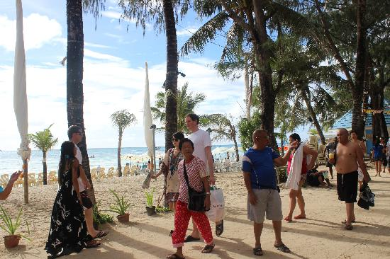 Crown Regency Beach Resort Boracay: 私家沙滩