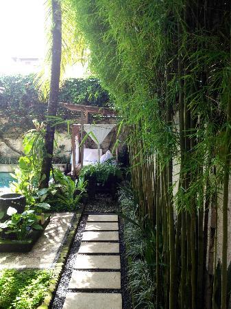 De Ubud Villas & Spa:                   01