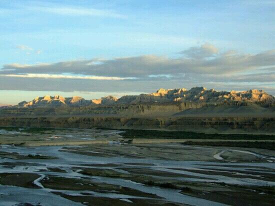 Zanda County, Kina:                   日落时分的河谷