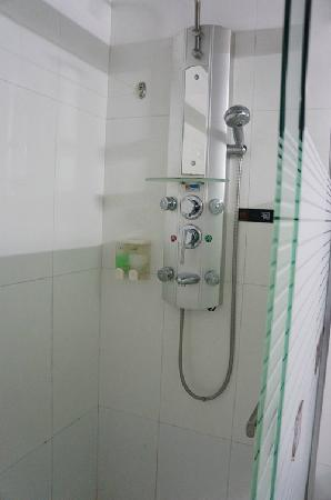 Zijinghua City Chain Hotel Guilin Jinwan :                   淋浴设施