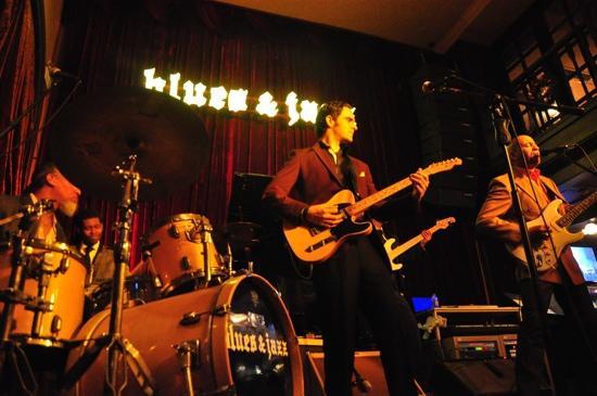 House of Blues & Jazz :                                     Live Band