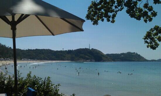 Nai Harn Beach:                   远离尘嚣,私密奈汉