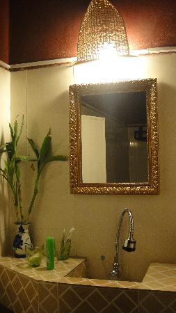 Tranquillity Angkor Villa:                                     我房间里的洗手间