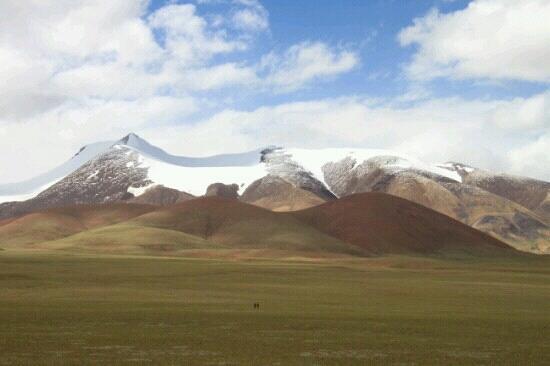 Bangoin County, China:                   远眺冰川