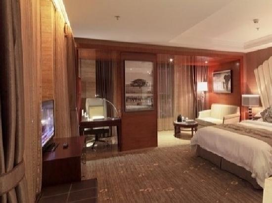 Serengeti Hotel:                   卧室