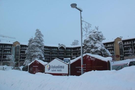 Lapland Hotel Riekonlinna: Outside of the hotel