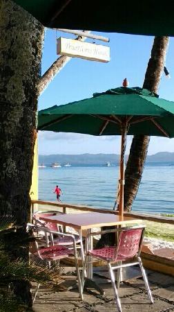True Home Hotel, Boracay: 房间门口的桌子