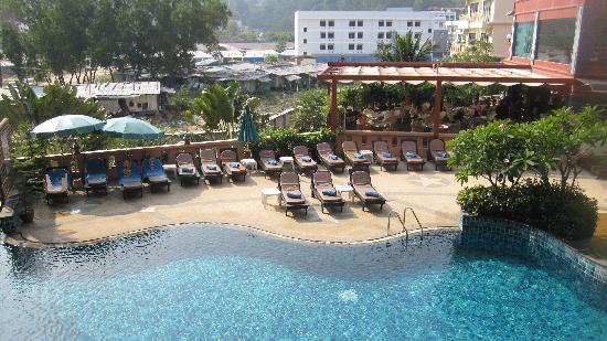 Blue Ocean Resort: 阳台下面是泳池