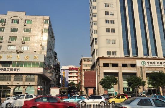 Home Inn (Tianjin Weijin Road Tianjin University): 酒店外观