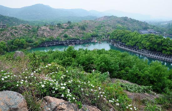 Baima Jian Longchi Scenic Spot: 白马涧