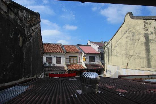 Calanthe Artisan Loft : very nice view from window