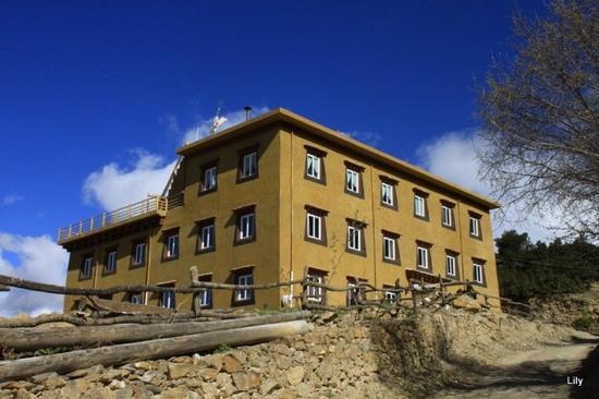 德欽季候鳥雪山旅館