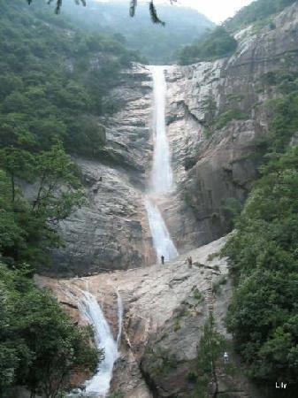 Jiulong Waterfall Scenic: 飞流直下三千尺