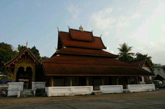 Wat Mai Suwannapumaram: 迈佛寺