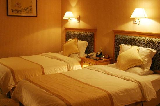 Ying Zhou Hotel: 商务标准间