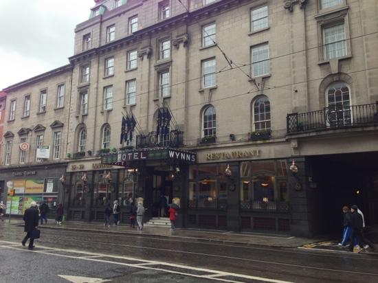Wynn's Hotel: Hotel exterior