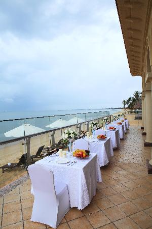 Yatai Hot Spring Hotel: 海边餐厅