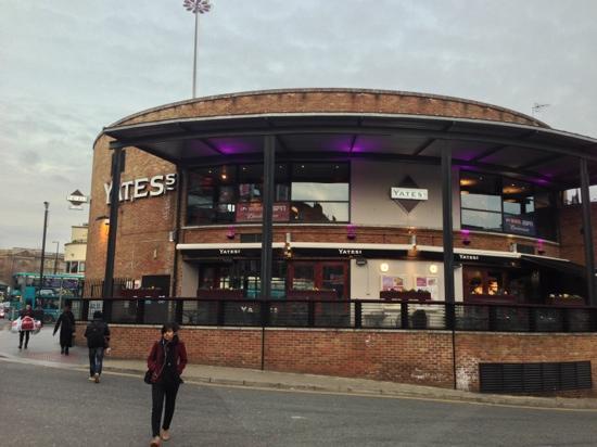 Yates's: Restaurant exterior