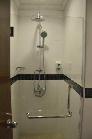 Metropolitan YMCA Singapore : 浴室