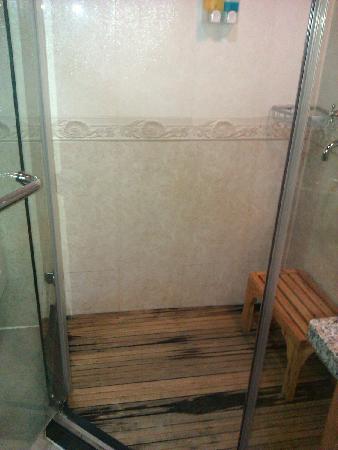 Rosewood Hotel: 淋浴间