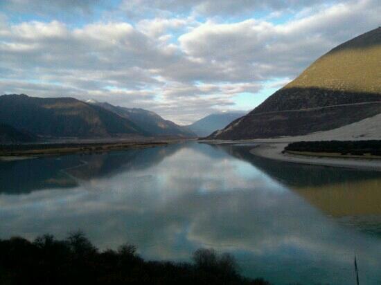 Niyang River: 河水