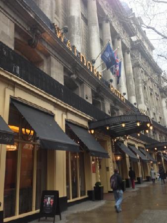 The Waldorf Hilton: Waldorf Hilton Hotel