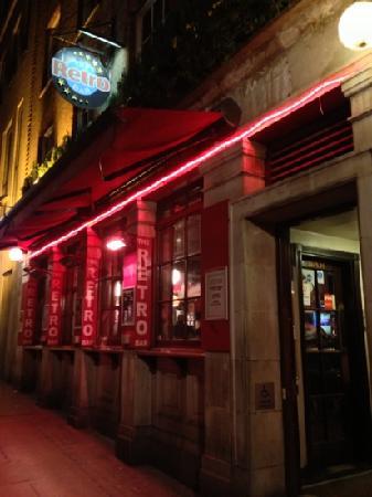Retro Bar