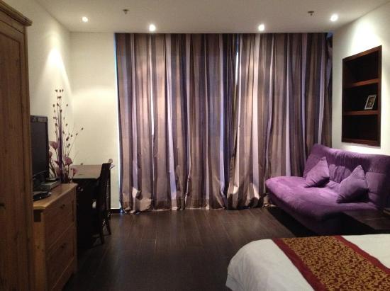 Mingjie Apartment Hotel Dalian Bainianhui: 超值大床房,床宽1.5*2米
